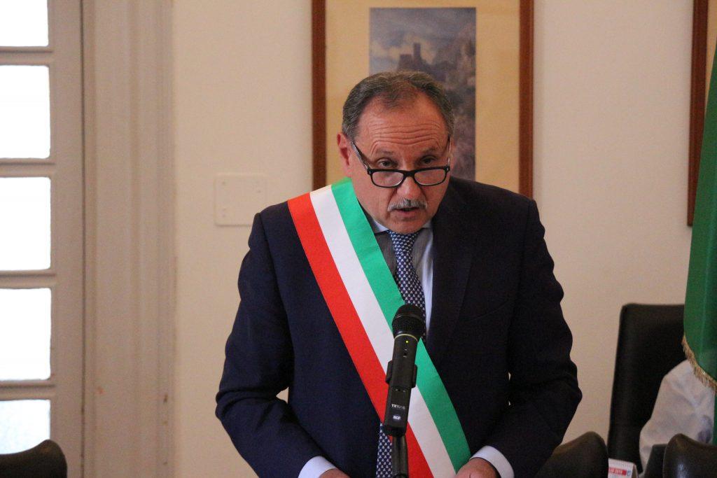 """Marino Lembo: """"A Capri nessun caso positivo e nessun tampone in corso. Evitare caccia alle streghe sui falsi residenti, l'allarmismo è un reato"""""""