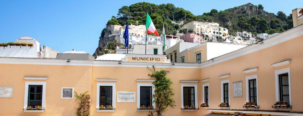 """La Giunta di Capri: """"No al 5G sul territorio comunale fino a quando non sarà garantita la completa sicurezza di questa nuova tecnologia"""""""