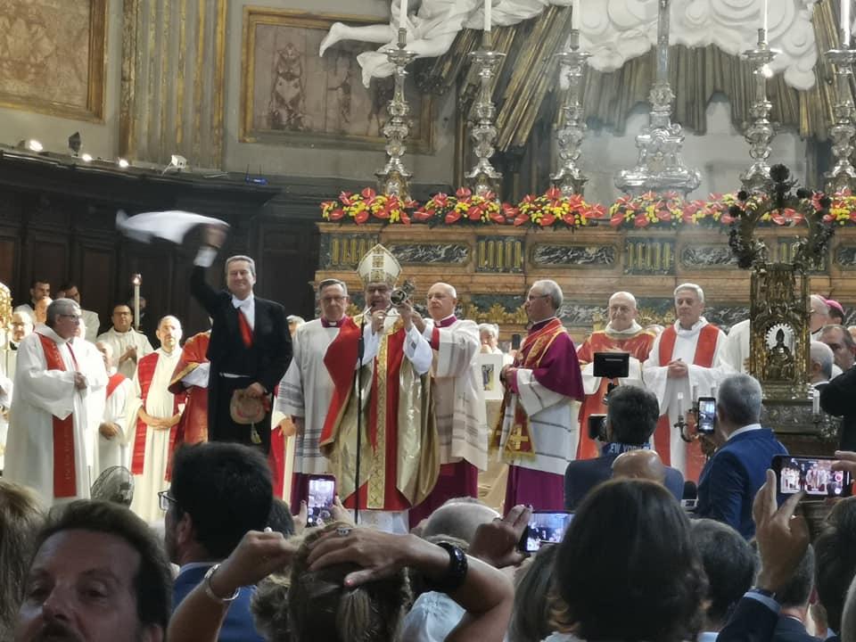 Si rinnova il miracolo di San Gennaro: l'isola di Capri da anni presente al prodigio con monsignor Vincenzo De Gregorio