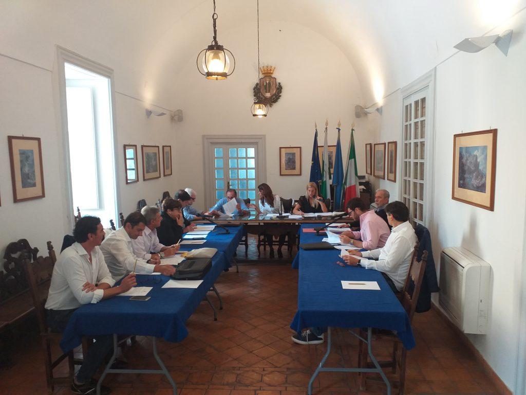 Convocato, dopo la diffida del Prefetto, il Consiglio Comunale di Capri. L'ordine del giorno della seduta