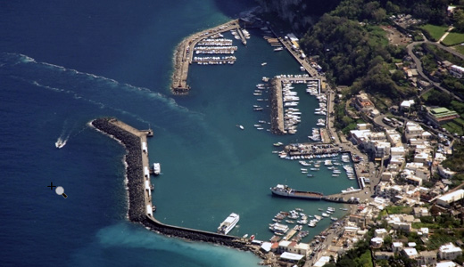 La proposta delle associazioni al Comune di Capri per la prossima estate: barcavelox per limitare la velocità in mare
