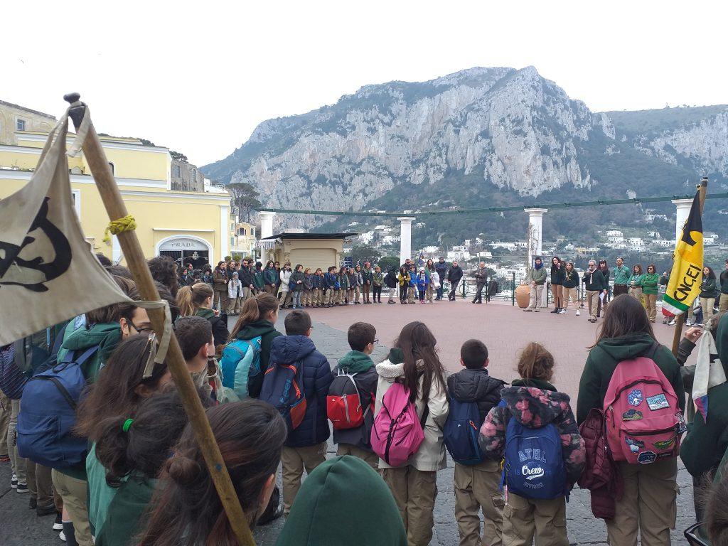 """""""Giornata del pensiero"""", raduno sull'isola di centinaia di scout di Napoli e Capri. Foto e video"""