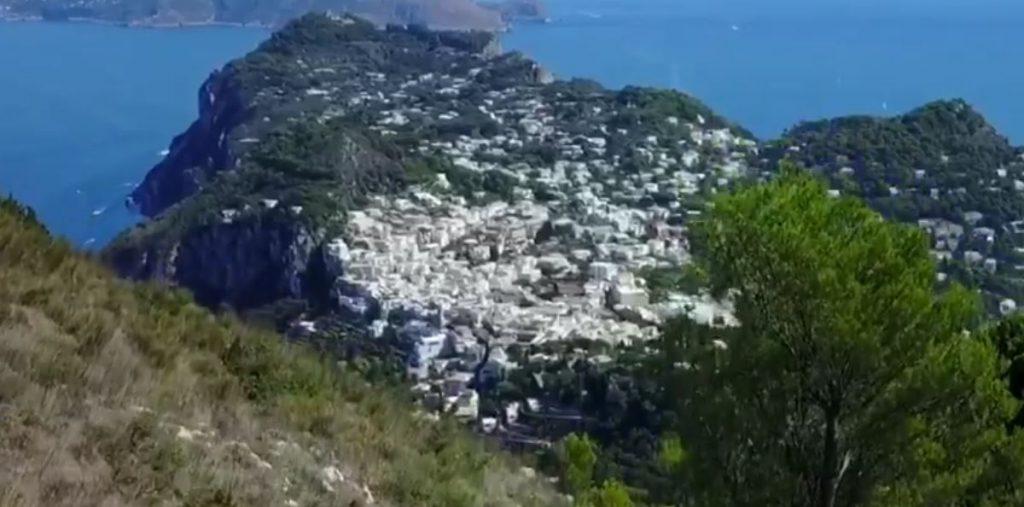 #waitingforcapri: un messaggio di speranza attraverso questo bellissimo spot dell'isola realizzato da Fabrizio Brunetti