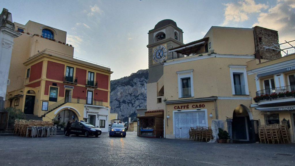 Secondo caso di coronavirus sull'isola: dopo Anacapri c'è un tampone positivo anche a Capri, contagiata una donna. Si attende esito di altri due test