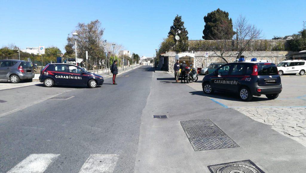 Coronavirus, mascherine obbligatorie ad Anacapri anche in strada: l'ordinanza emessa dal Sindaco