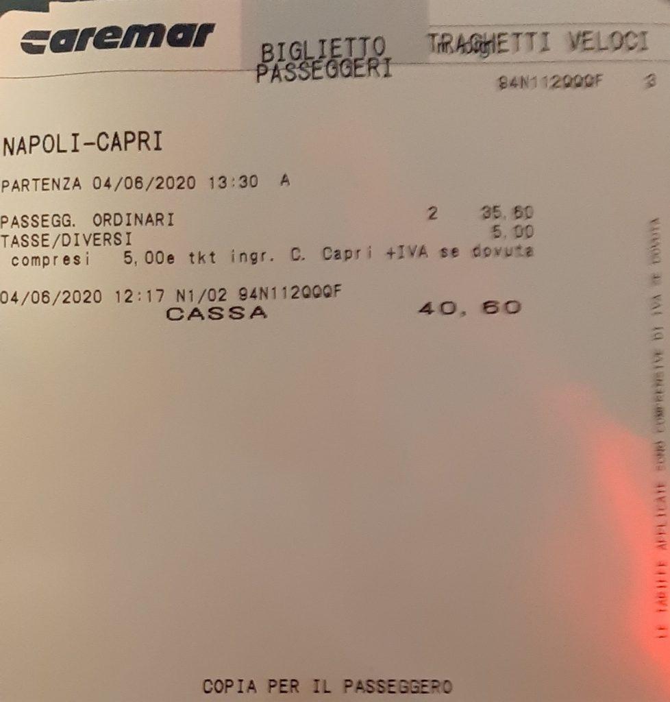 """La lettera: """"Nave lenta al prezzo della veloce Napoli-Capri, i magheggi Caremar"""""""