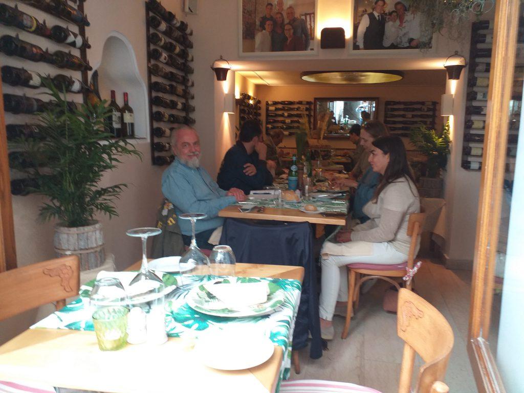 Giornata caprese per De Laurentiis e famiglia: pranzo alla Capannina. Le foto
