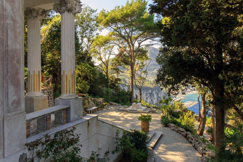 Alla ricerca del raggio verde: sabato la passeggiata d'autore a Capri tra Villa Lysis e le dimore storiche di Tiberio