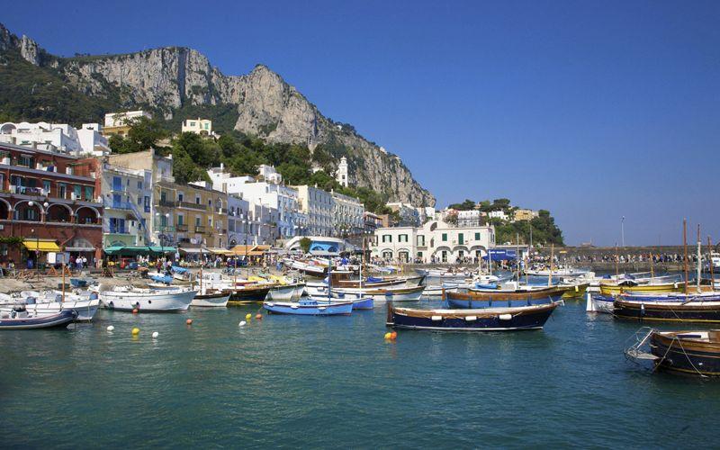 Il Comune di Capri pubblica l'avviso: entro 30 giorni la presentazione delle domande per i posti barca a Marina Grande