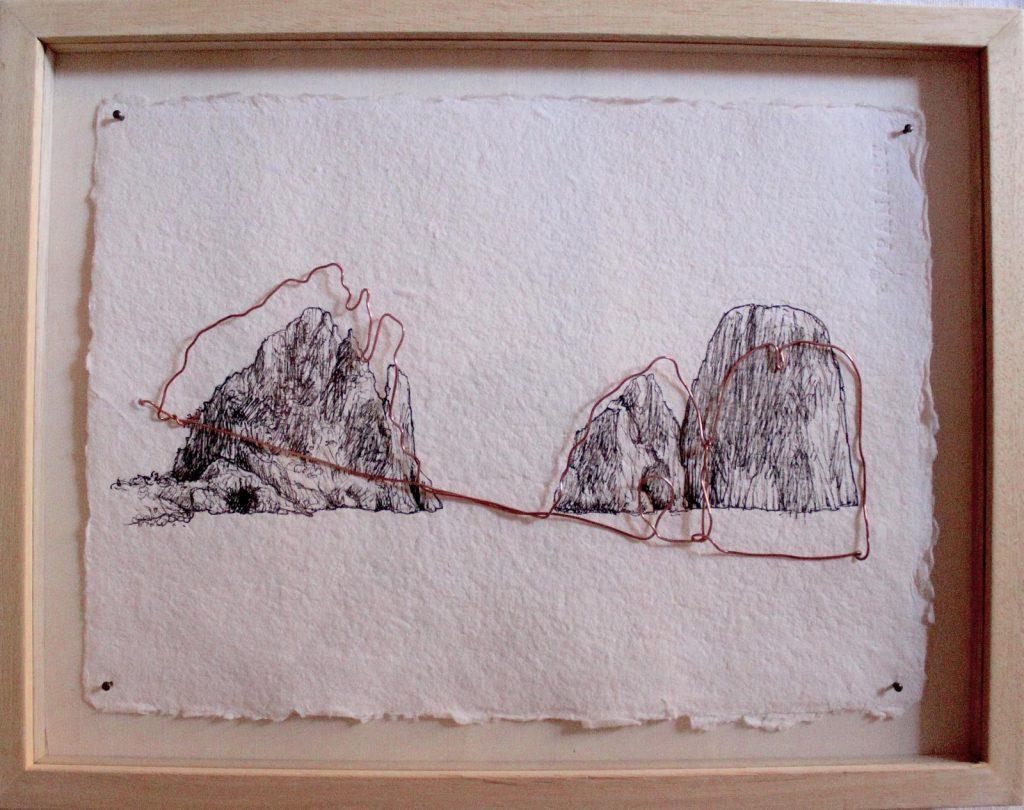 """I Faraglioni approdano nelle botteghe di Capri con """"Legàmi"""", le opere d'arte di Elena Fabris protagoniste di un piccolo percorso itinerante"""