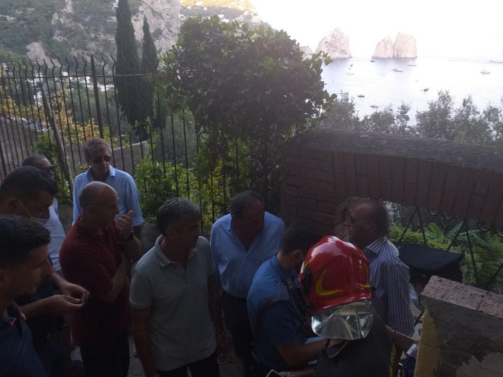 Movimento franoso a Capri: smottamento a Grotta delle Felci, paura e danni. LE FOTO