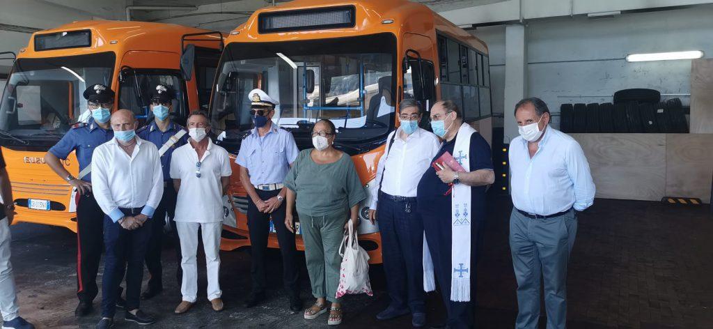 Tre nuovi autobus dell'Atc, l'azienda di trasporto pubblico caprese, in servizio da Ferragosto sulla strade dell'isola