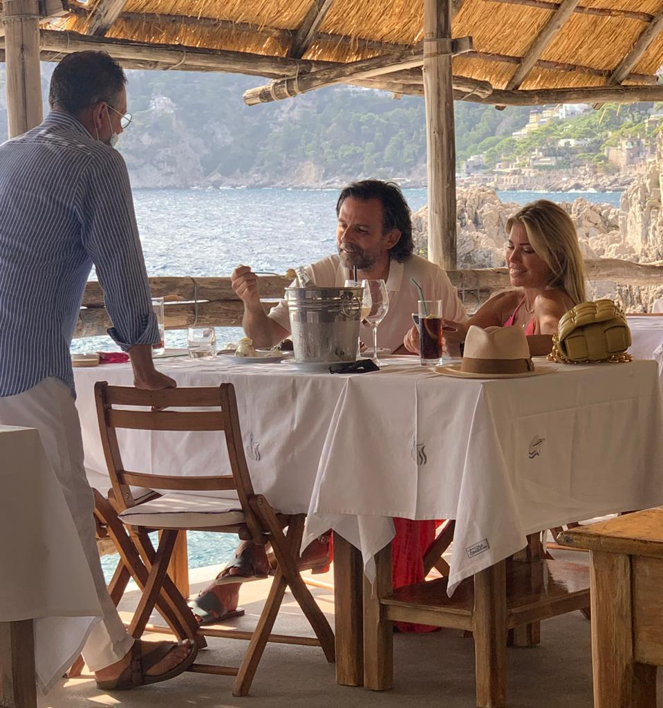 In luna di miele a Capri la modella e bomba sexy Sylvie Meis con il marito Niclas Castello. Foto e video