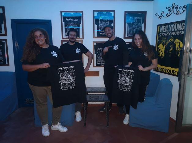 Il Qubè Cafè con i Migliori Amici: una t-shirt solidale per la cura e la salvaguardia delle colonie feline dell'isola di Capri